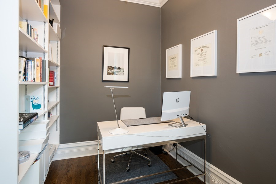 Real Estate Photography - 1965 N Lincoln, Unit 2, Chicago, IL, 60614 - Office
