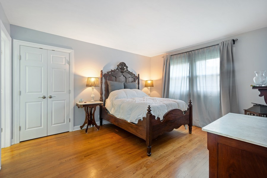 Real Estate Photography - 817 S Grove Avenue, Barrington, IL, 60010 - Master Bedroom