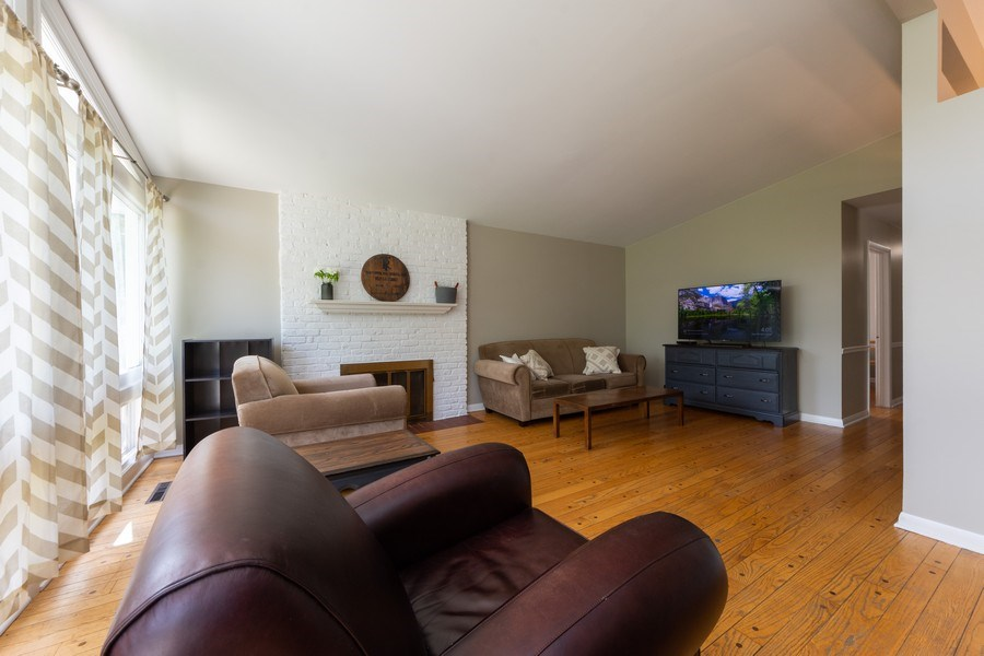 Real Estate Photography - 501 South Street, Barrington, IL, 60010 - Living Room
