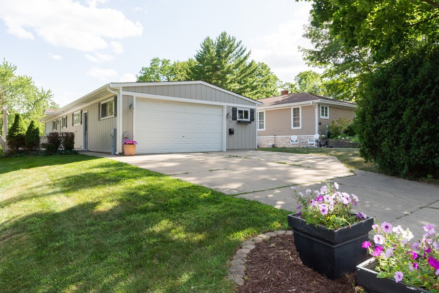 Real Estate Photography - 501 South Street, Barrington, IL, 60010 - Front View