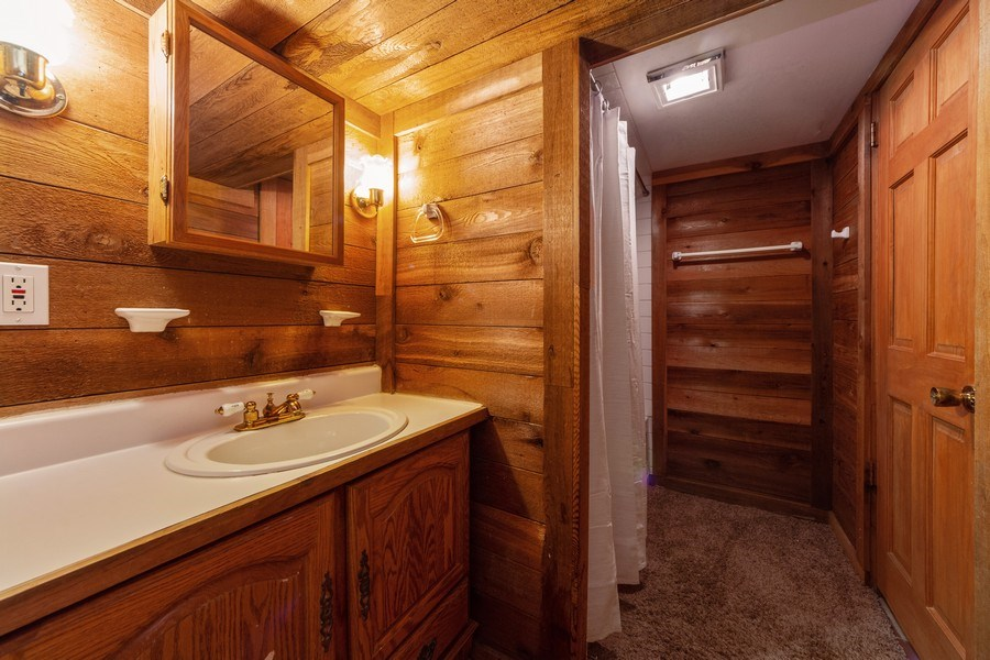 Real Estate Photography - 501 South Street, Barrington, IL, 60010 - 2nd Bathroom