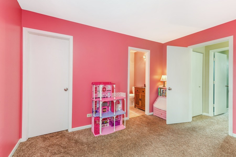 Real Estate Photography - 1243 Dunamon Drive, Bartlett, IL, 60103 - 2nd Bedroom