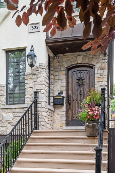 Real Estate Photography - 1822 W School St, Chicago, IL, 60657 - Front View