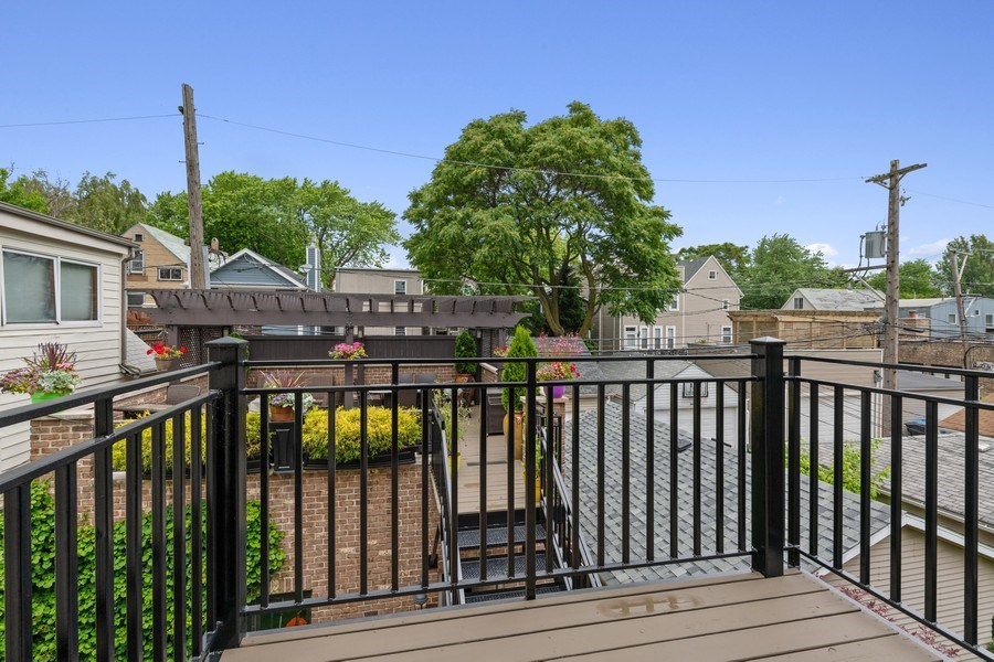 Real Estate Photography - 1822 W School St, Chicago, IL, 60657 - Balcony