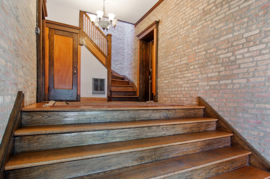 Real Estate Photography - 4039 N Kilbourn, Unit 1S, Chicago, IL, 60641 - Lobby