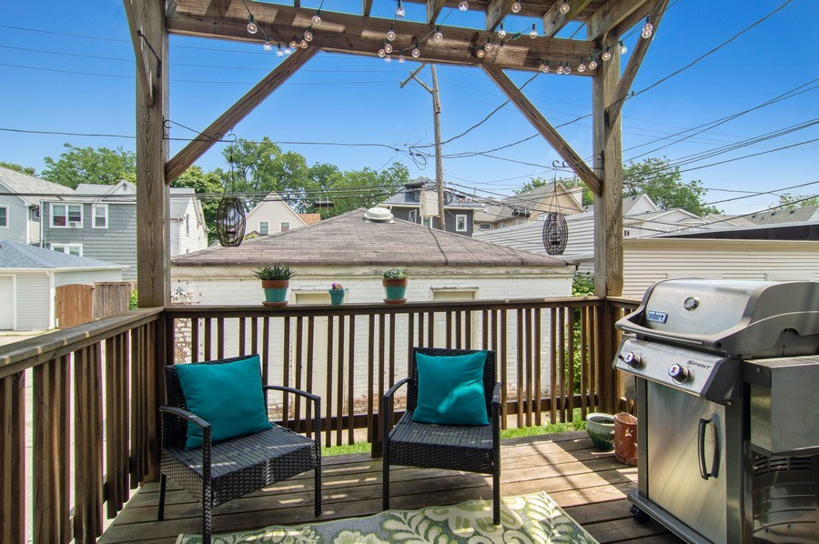 Real Estate Photography - 4039 N Kilbourn, Unit 1S, Chicago, IL, 60641 - Deck