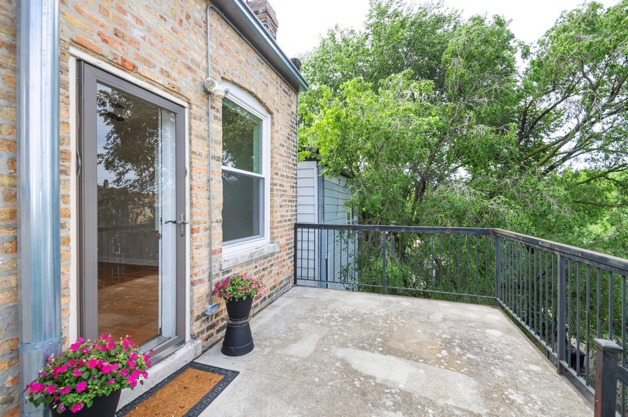 Real Estate Photography - 1312 Artesian, Unit 3R, Chicago, IL, 60622 - Deck