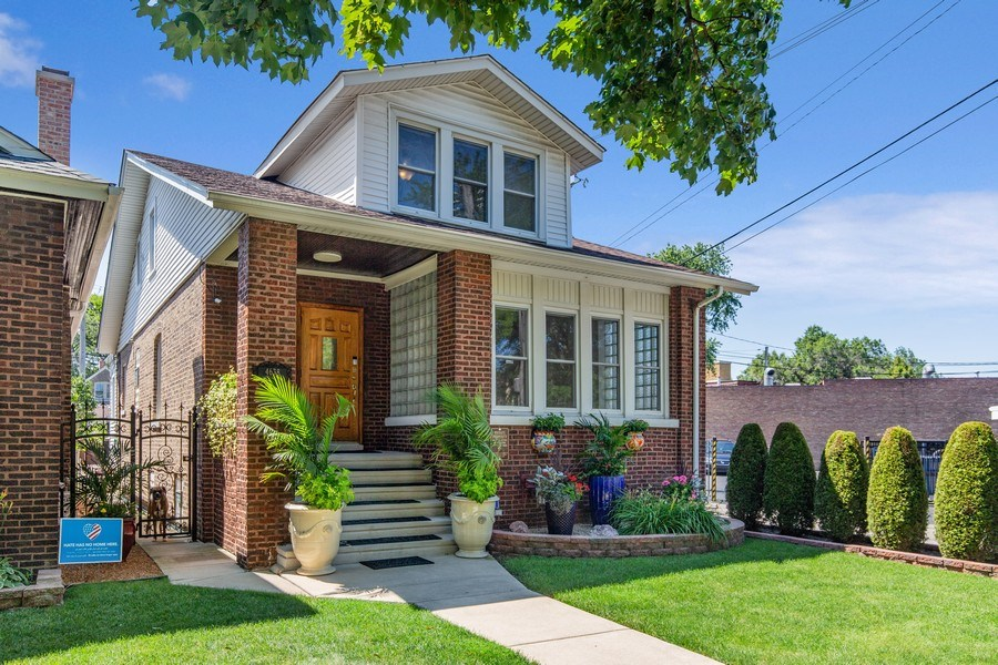 Real Estate Photography - 4638 N Lowell Ave, Chicago, IL, 60630 - Front View