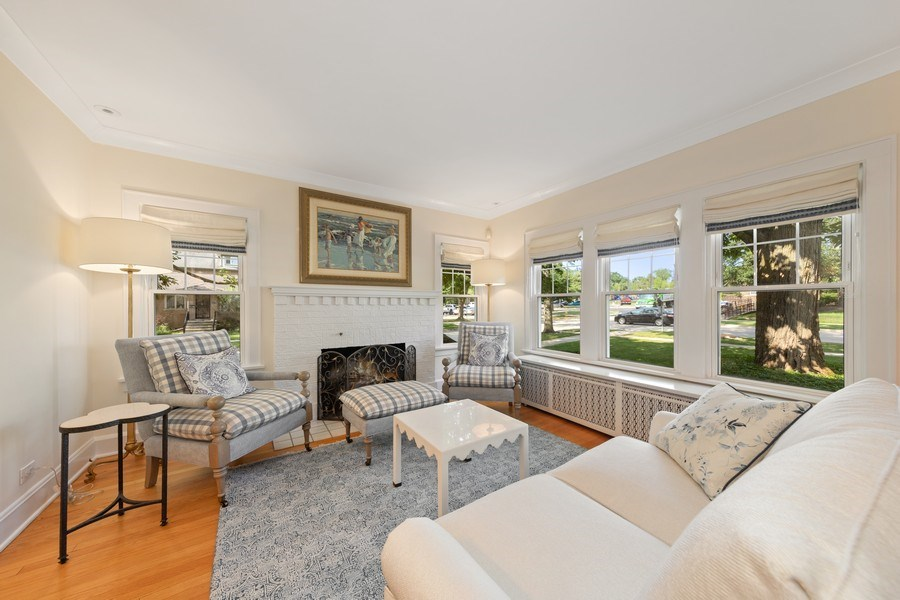 Real Estate Photography - 343 Bryant Ave, Glen Ellyn, IL, 60137 - Living Room