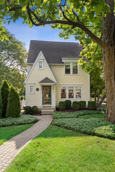 Real Estate Photography - 343 Bryant Ave, Glen Ellyn, IL, 60137 - Front View