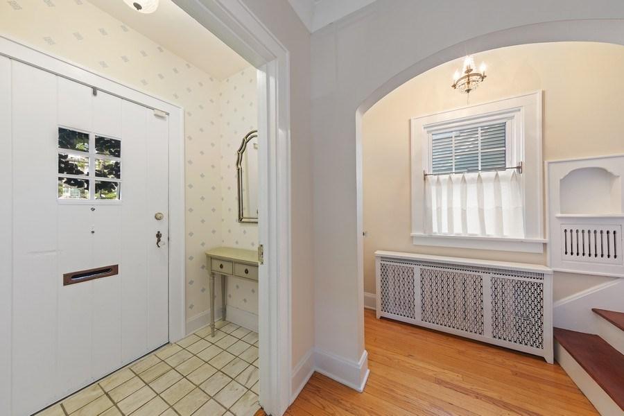 Real Estate Photography - 343 Bryant Ave, Glen Ellyn, IL, 60137 - Foyer