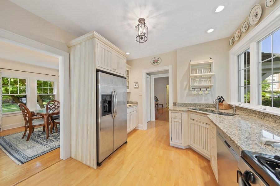 Real Estate Photography - 343 Bryant Ave, Glen Ellyn, IL, 60137 - Kitchen
