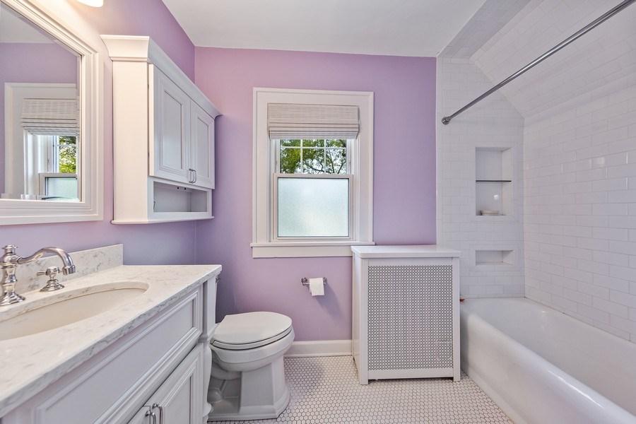 Real Estate Photography - 343 Bryant Ave, Glen Ellyn, IL, 60137 - Bathroom