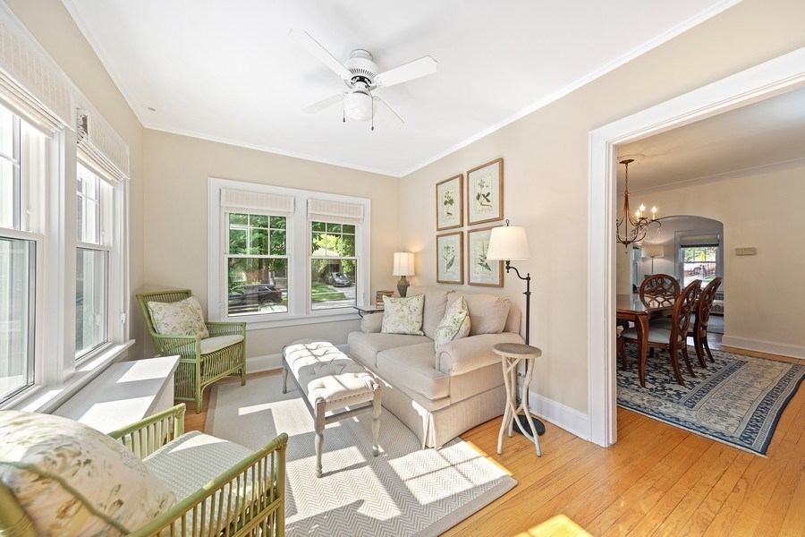 Real Estate Photography - 343 Bryant Ave, Glen Ellyn, IL, 60137 - Sun Room