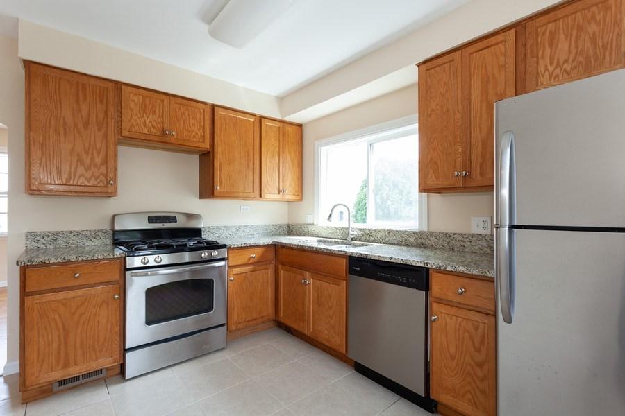 Real Estate Photography - 111 Ogden Ave, Clarendon Hills, IL, 60514 - Kitchen
