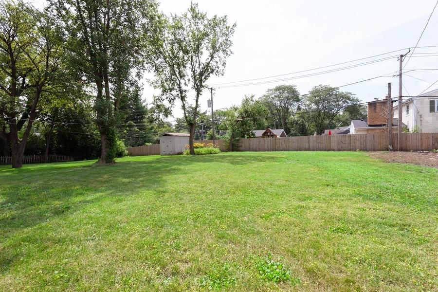 Real Estate Photography - 111 Ogden Ave, Clarendon Hills, IL, 60514 - Back Yard