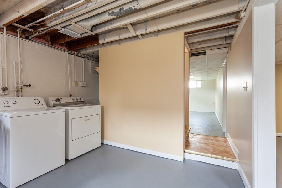 Real Estate Photography - 111 Ogden Ave, Clarendon Hills, IL, 60514 - Laundry Room