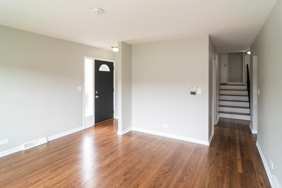 Real Estate Photography - 1109 Victoria Avenue, Berkeley, IL, 60163 - Living Room