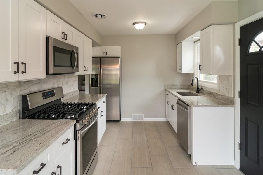 Real Estate Photography - 1109 Victoria Avenue, Berkeley, IL, 60163 - Kitchen