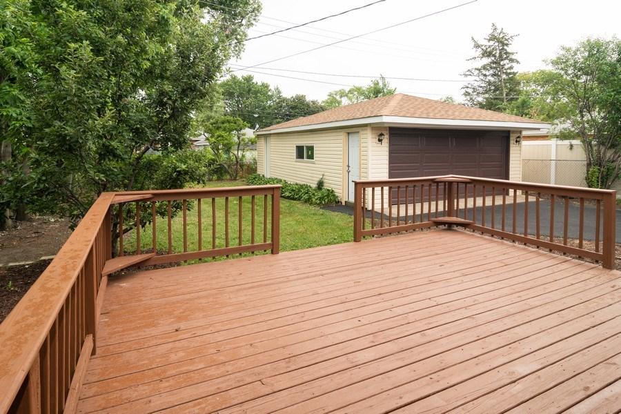 Real Estate Photography - 1109 Victoria Avenue, Berkeley, IL, 60163 - Deck