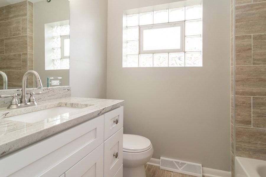 Real Estate Photography - 1109 Victoria Avenue, Berkeley, IL, 60163 - Bathroom