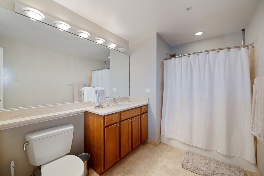 Real Estate Photography - 200 N Jefferson, Unit 1302, Chicago, IL, 60661 - Master Bathroom