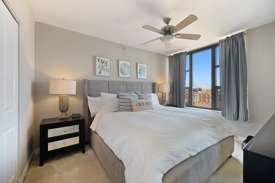 Real Estate Photography - 200 N Jefferson, Unit 1302, Chicago, IL, 60661 - Master Bedroom