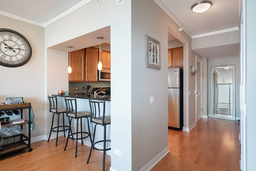 Real Estate Photography - 200 N Jefferson, Unit 1302, Chicago, IL, 60661 - Kitchen / Breakfast Room
