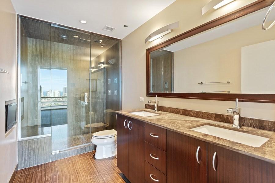 Real Estate Photography - 860 W. Blackhawk St., 2607, Chicago, IL, 60622 - Master Bathroom