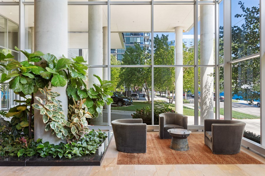 Real Estate Photography - 860 W. Blackhawk St., 2607, Chicago, IL, 60622 - Lobby