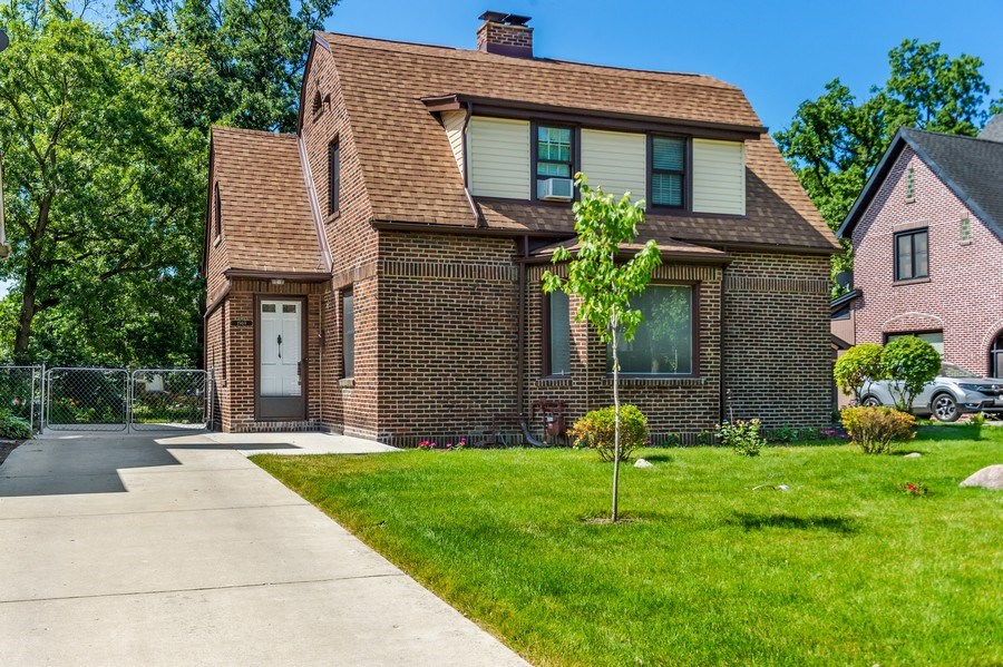 Real Estate Photography - 1969 W. 101st St, Chicago, IL, 60643 - Front View