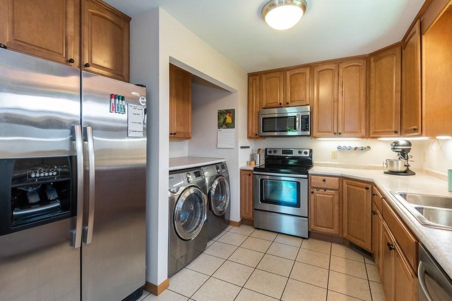 Real Estate Photography - 2727 S Lakeshore Drive, H29, St. Joseph, MI, 49085 - Kitchen