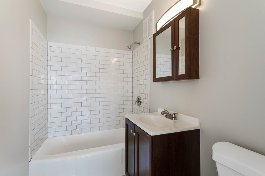 Real Estate Photography - 3410 N Lake Shore Drive, #15D, Chicago, IL, 60657 - Master Bathroom