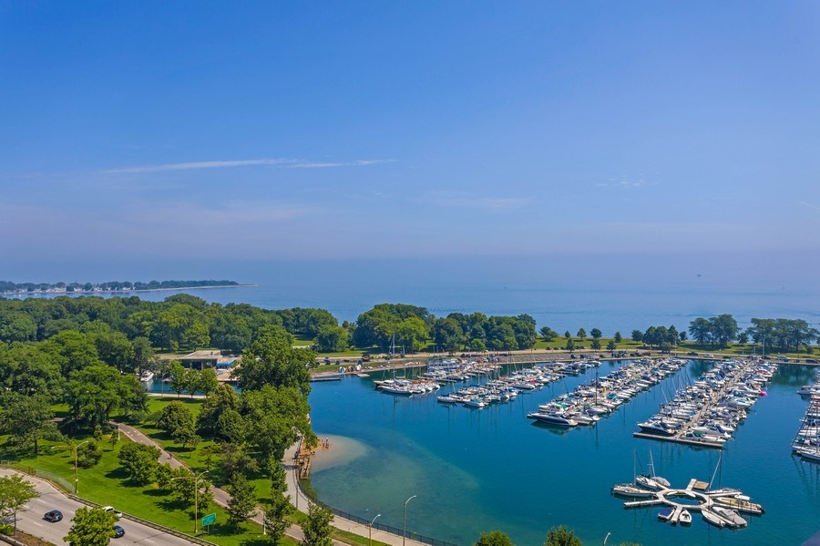 Real Estate Photography - 3410 N Lake Shore Drive, #15D, Chicago, IL, 60657 - View