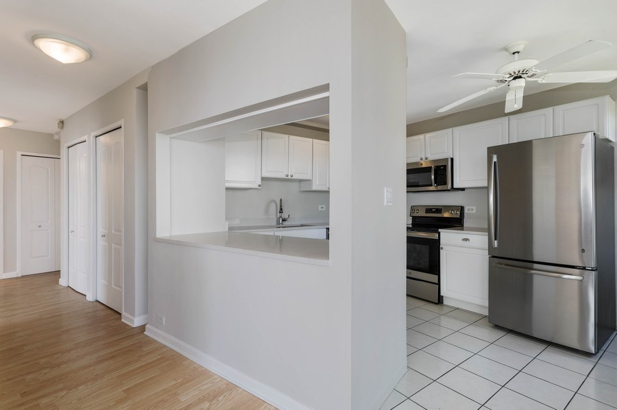 Real Estate Photography - 3410 N Lake Shore Drive, #15D, Chicago, IL, 60657 - Kitchen