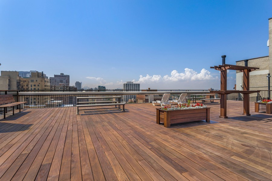 Real Estate Photography - 3410 N Lake Shore Drive, #15D, Chicago, IL, 60657 - Roof Deck