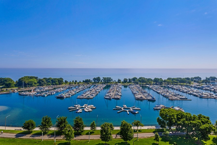 Real Estate Photography - 3410 N Lake Shore Drive, #15D, Chicago, IL, 60657 - Lake View