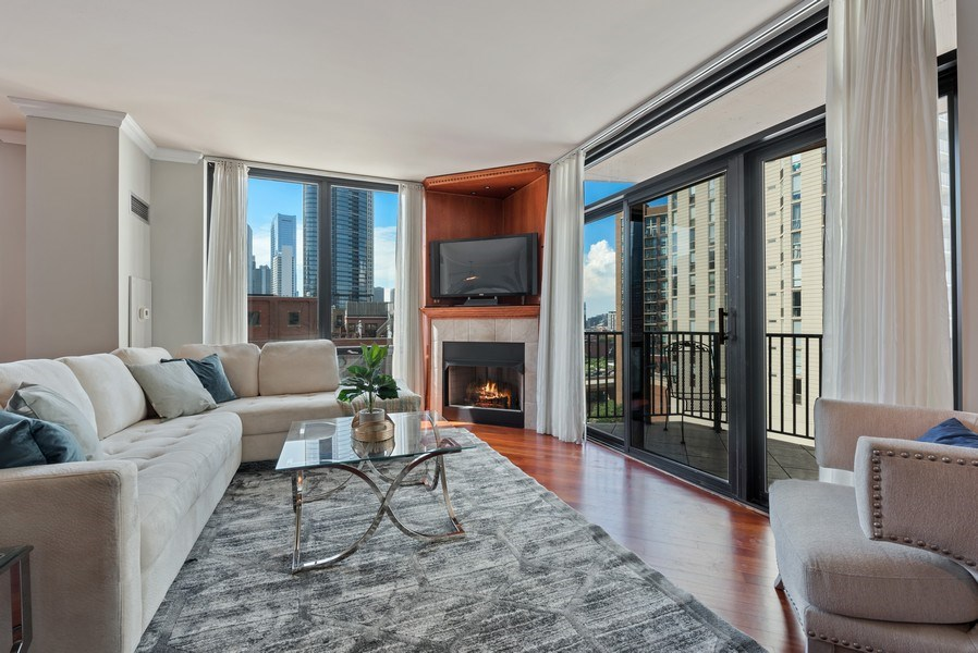 Real Estate Photography - 435 West Erie Unit 1007, Chicago, IL, 60654 - Living Room