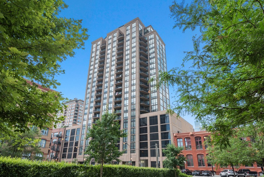 Real Estate Photography - 435 West Erie Unit 1007, Chicago, IL, 60654 - Front View