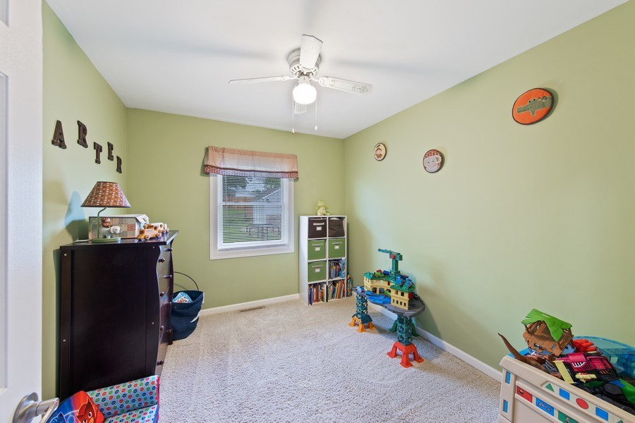 Real Estate Photography - 105 s Maxon ln, Streamwood, IL, 60107 - 3rd Bedroom