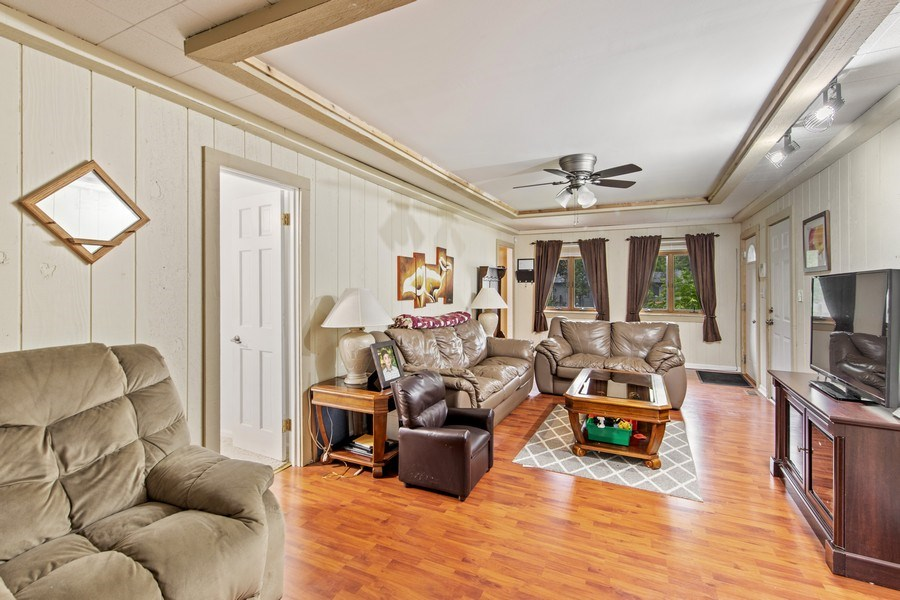 Real Estate Photography - 105 s Maxon ln, Streamwood, IL, 60107 - Living Room