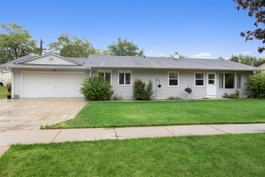 Real Estate Photography - 105 s Maxon ln, Streamwood, IL, 60107 - Front View