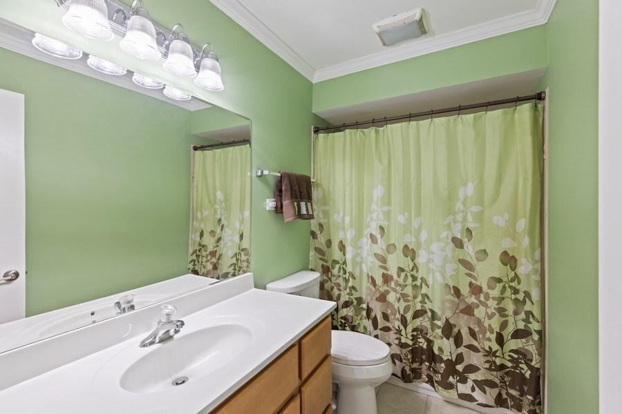 Real Estate Photography - 105 s Maxon ln, Streamwood, IL, 60107 - Bathroom