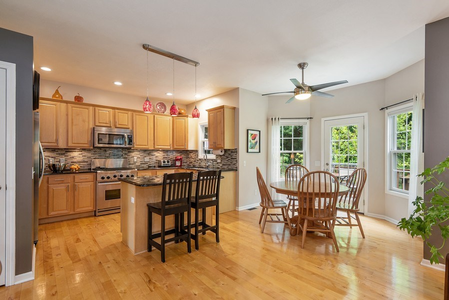 Real Estate Photography - 5532 Pioneer Avenue, St. Joseph, MI, 49085 - Kitchen / Breakfast Room