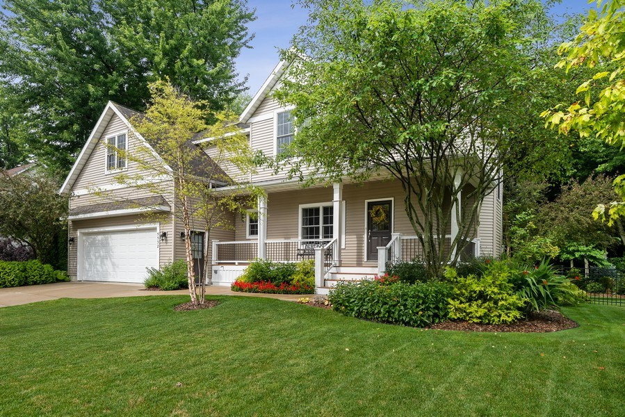 Real Estate Photography - 5532 Pioneer Avenue, St. Joseph, MI, 49085 - Front View