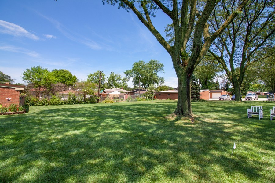 Real Estate Photography - 10740 W Cermak Rd, Westchester, IL, 60154 - Back Yard