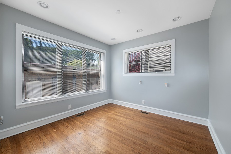 Real Estate Photography - 6118 N. Campbell Avenue, Chicago, IL, 60659 - 2nd Bedroom