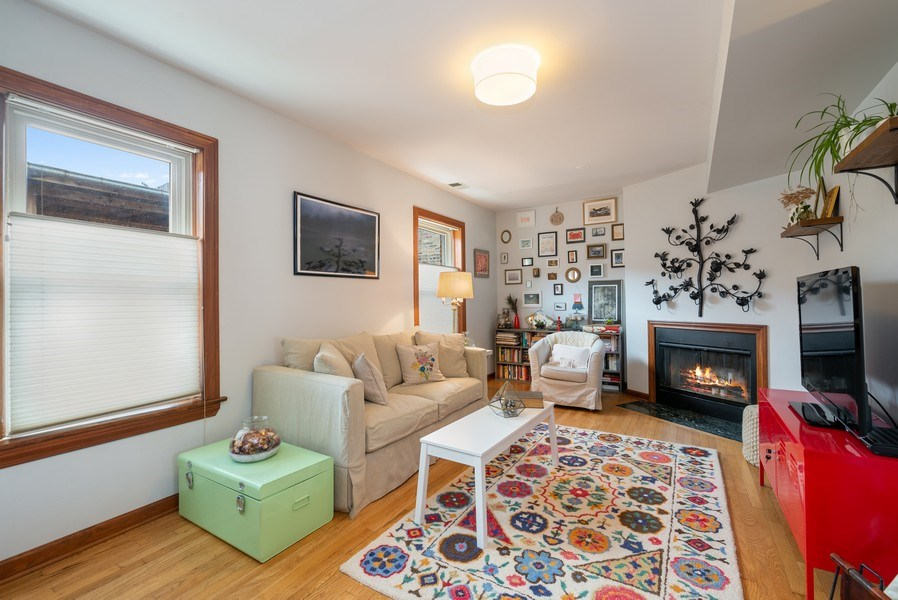 Real Estate Photography - 3132 n Clifton, 3S, chicago, IL, 60657 - Living Room