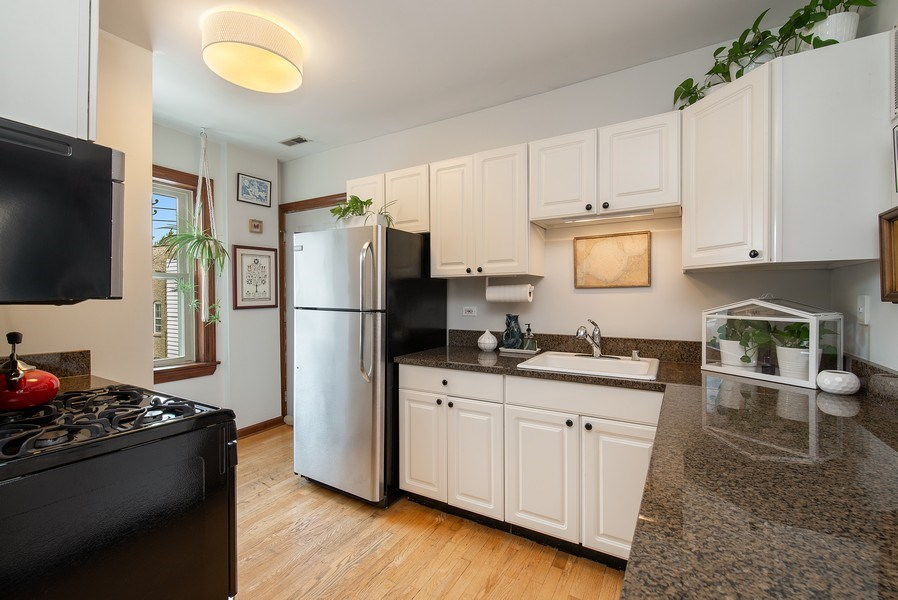 Real Estate Photography - 3132 n Clifton, 3S, chicago, IL, 60657 - Kitchen