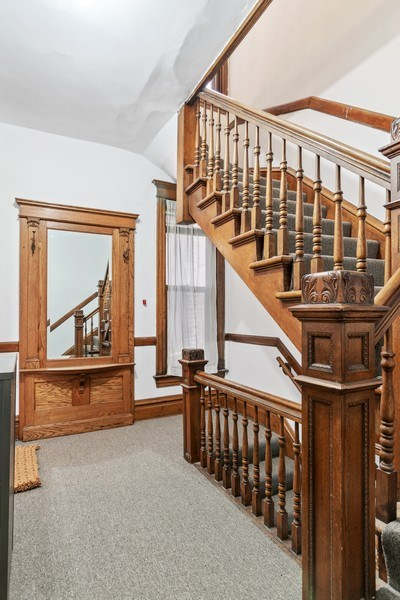 Real Estate Photography - 3618 N Fremont, Unit 2, Chicago, IL, 60613 - Location 12